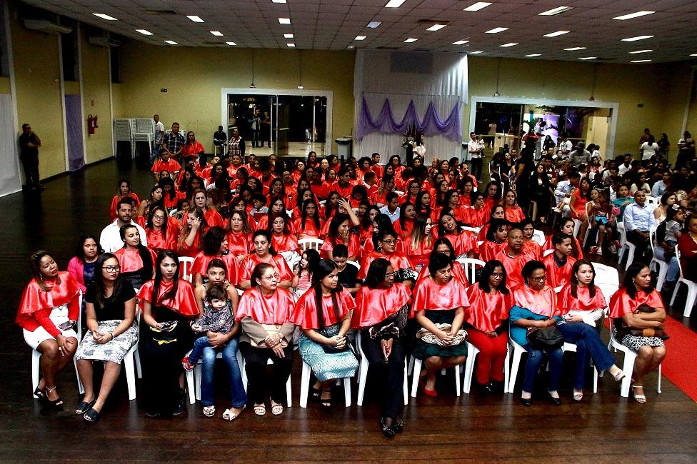 Programa Lado a Lado forma 457 alunos