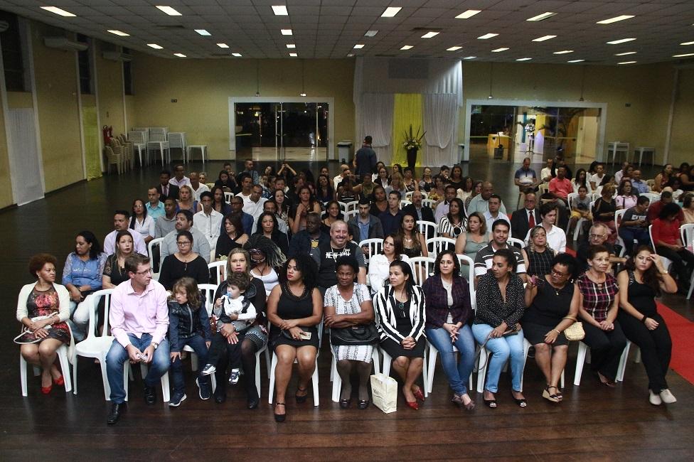 Escola Municipal de Gastronomia forma mais 377 alunos