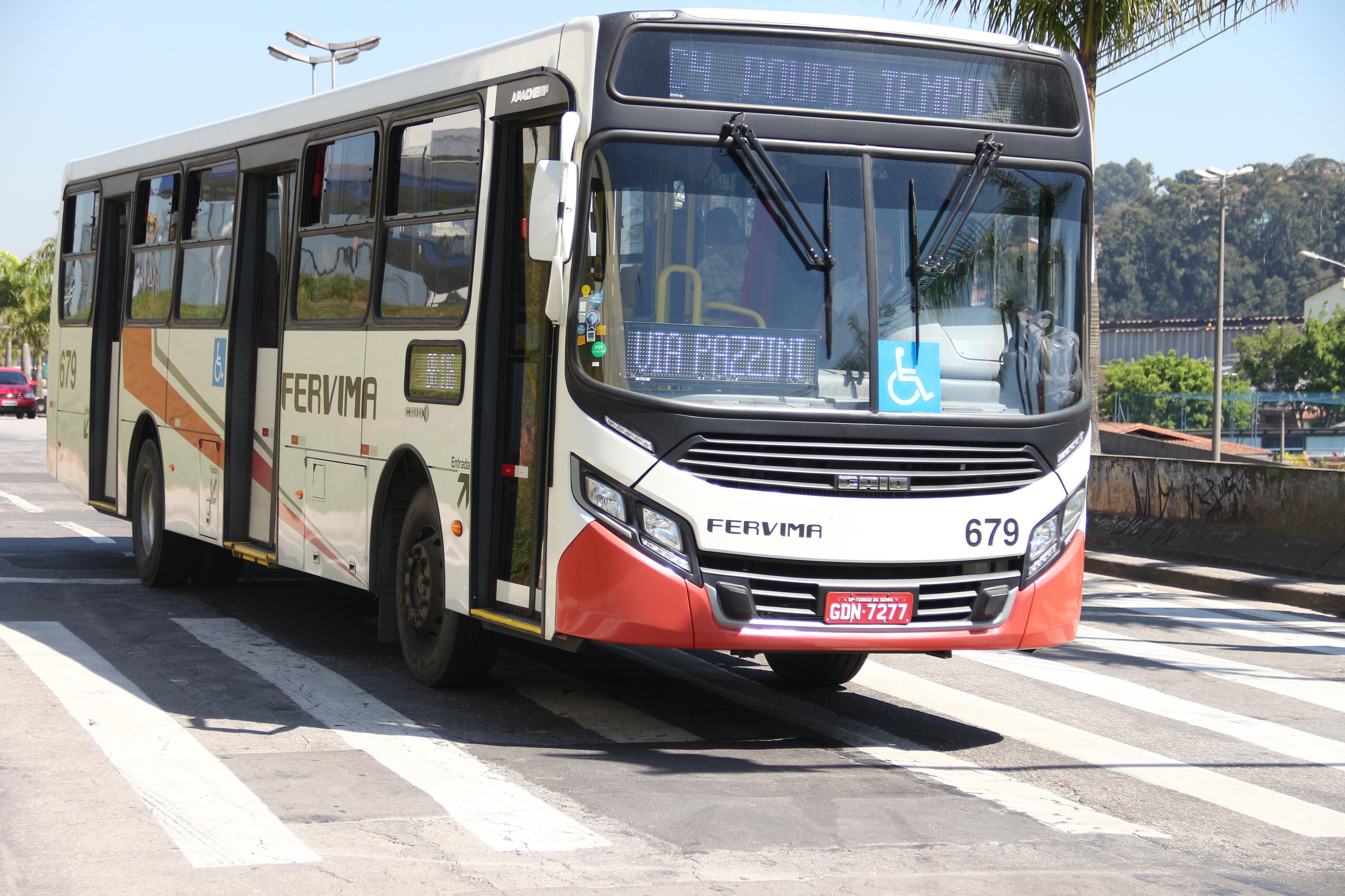 Novos ônibus trazem melhorias ao transporte coletivo de Taboão